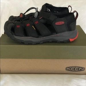 Boys Keen Newport Neo H2 Land and Water Shoes